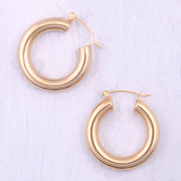 JaneE round surgical stainless steel earrings OEM for women