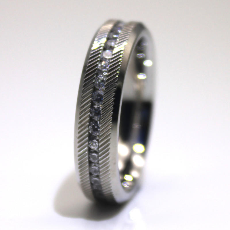 JaneE shiny custom stainless steel ring top quality for weddings
