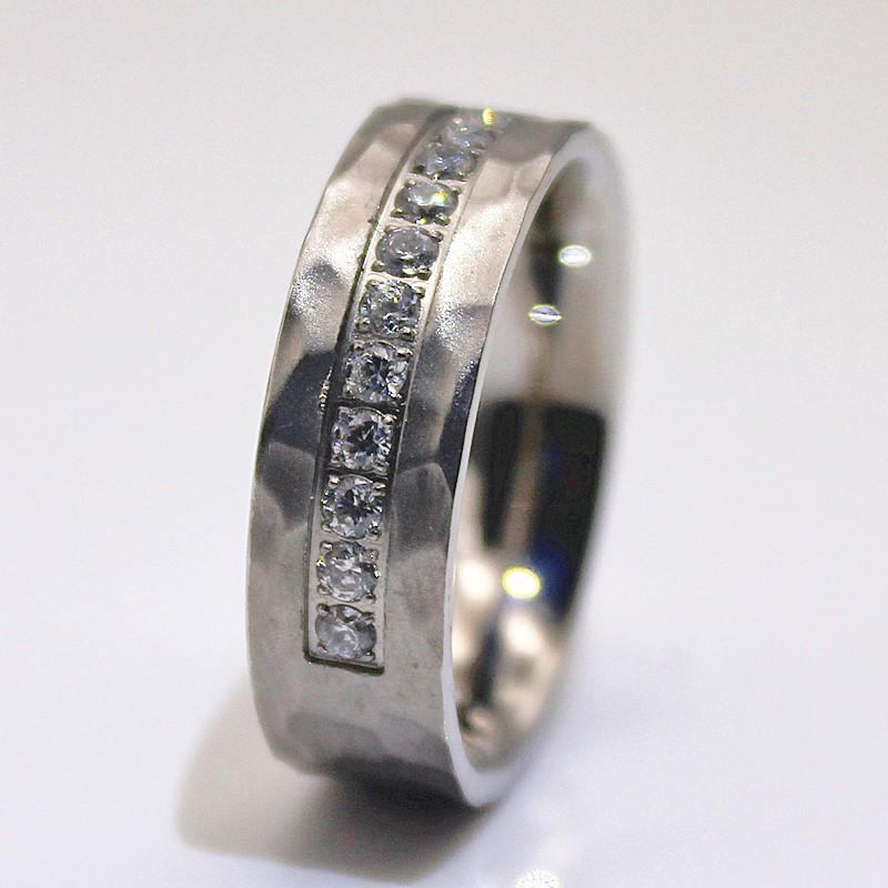 AAA CZ Stones CNC Setting Hammered Steel Ring Stainless steel for men