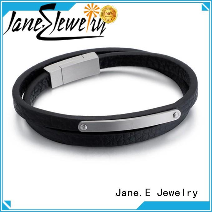 JaneE luxury minimalist bracelet customized for women